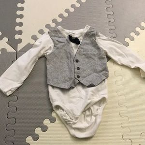 Long sleeve with vest/bow onesie